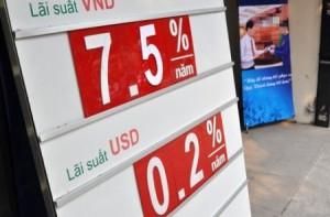 Lãi suất cho vay bằng VND 7%/năm tại Vietcombank